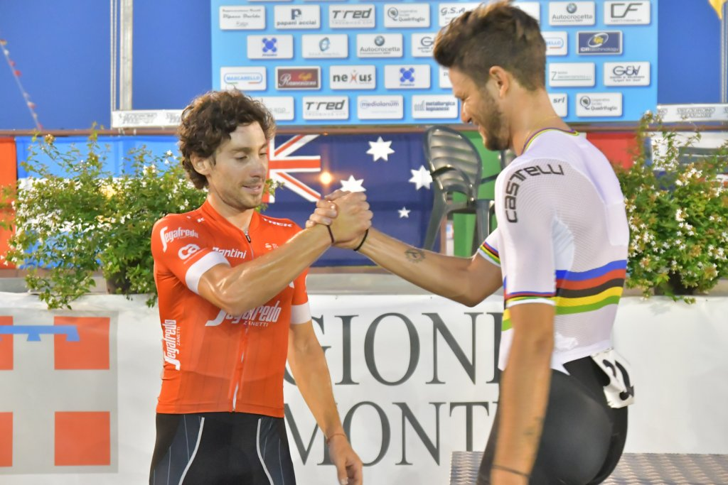 Filippo Ganna vince l'inseguimento individuale